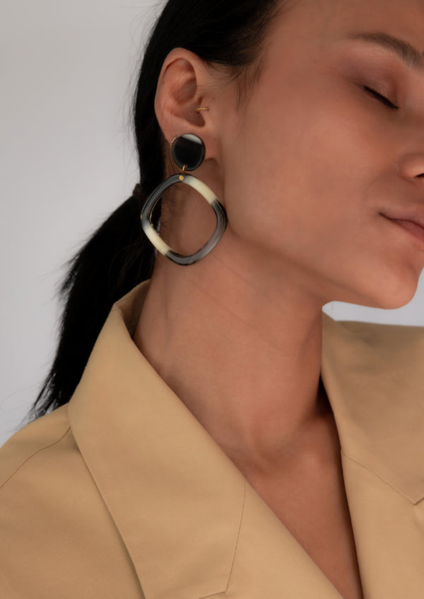 Sanshoo Earrings Corno