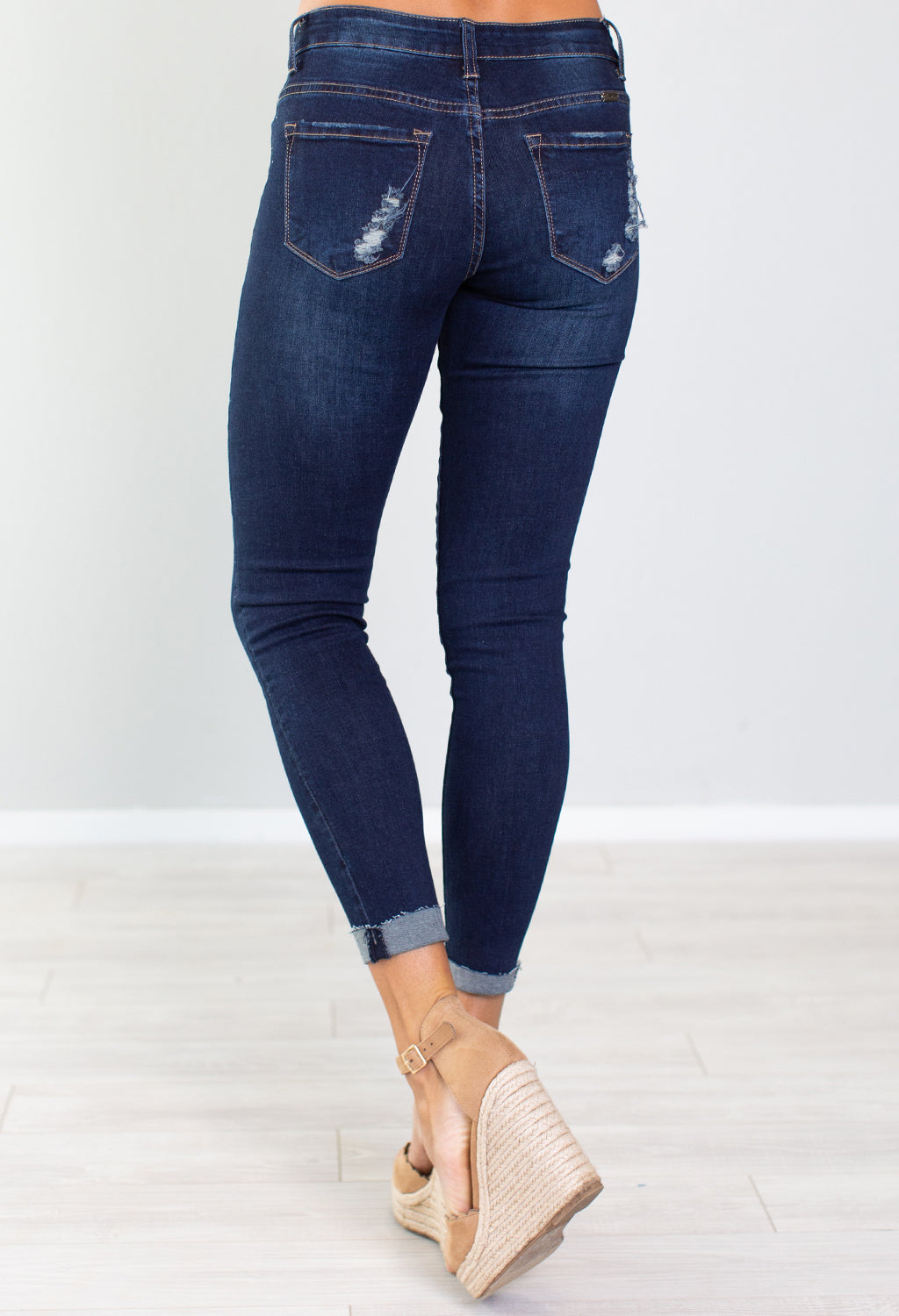 Courtney Kan Can Distressed Skinny Jeans