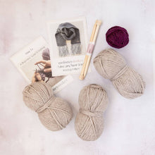 Load image into Gallery viewer, Tassel Scarf Knitting Kit