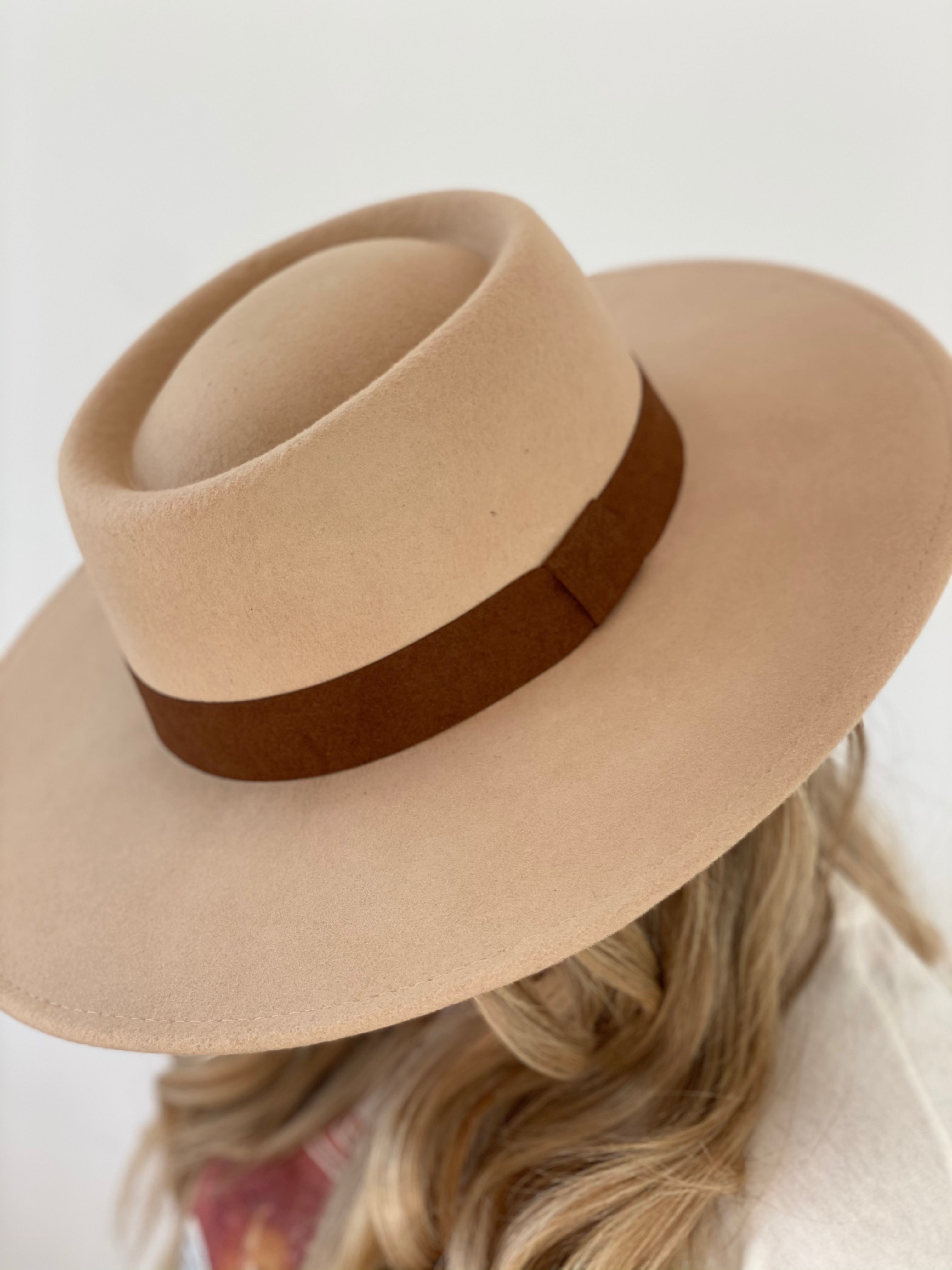 Casual Days Hat (Beige)