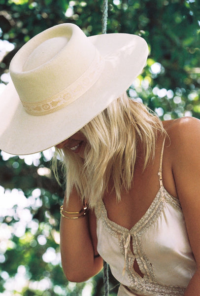 Cream Juno Boater Hat By Lack Of Color