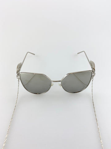 MIRRORED LENSE SUNGLASSES WITH WING DETAIL ON ARMS