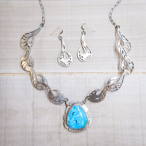 Kingman Turquoise Necklace with Intricate Silverwork