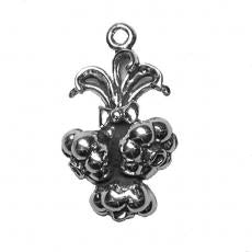Charms. Sterling Silver, 14.5mm Width by 10.8mm Length by 25.5mm Height, Garlic Cloves Charm. Quantity Per Pack: 1 Piece.