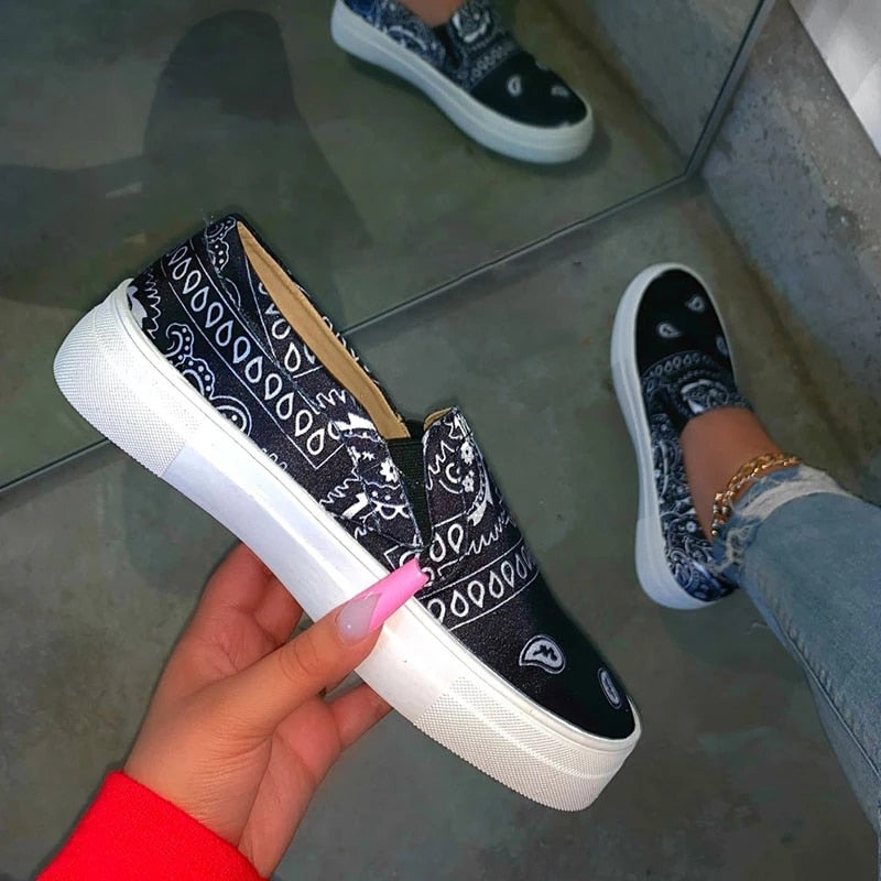 New Women Vulcanize Shoes Print Slip On Casual Shoes Fashion Flats Women Shoes Plus Size Female Sneakers Ladies Walking Shoes