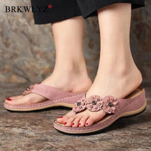 Load image into Gallery viewer, 2020 Women Summer Wedge Slippers Thong Shoes Women Vintage Flip Flops Female Flowers Ladies Woman Sandals Lady Casual Slides