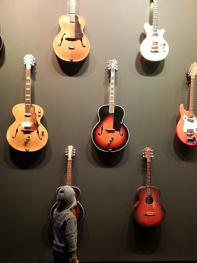 Maton Guitars - When rock 'n' roll came to town