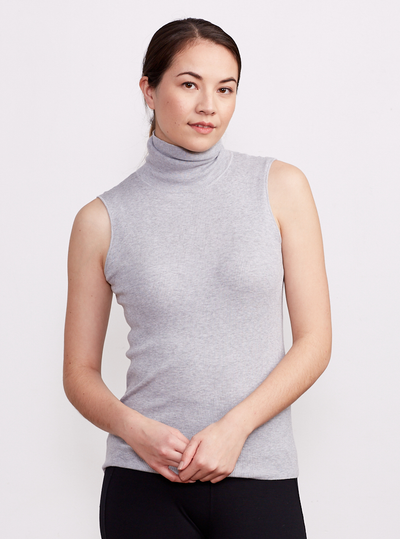 THE SLEEVELESS LAYERING TURTLENECK