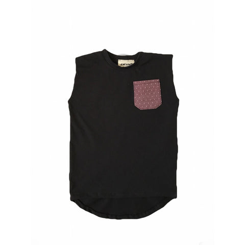 Black muscle tee with burgundy pocket