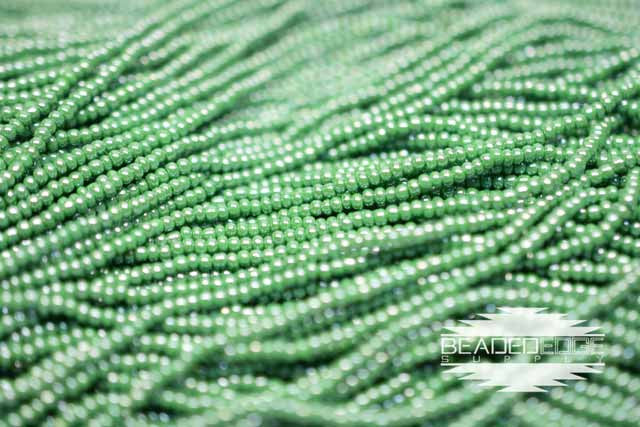 11/0 OP Green Luster | Seed Beads