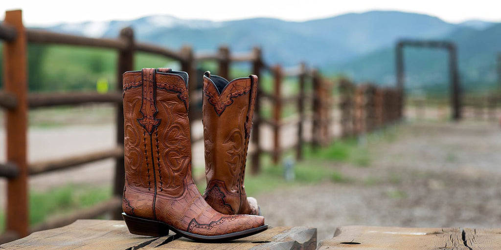 """2f3de28db3d Man, I love your boots."""" –Bob Dylan 