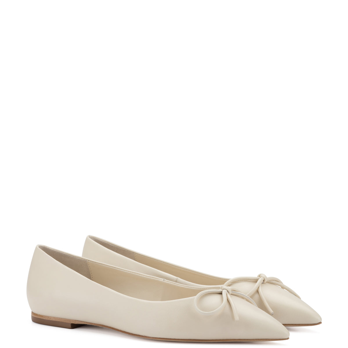 Lee Flat In Ivory Leather