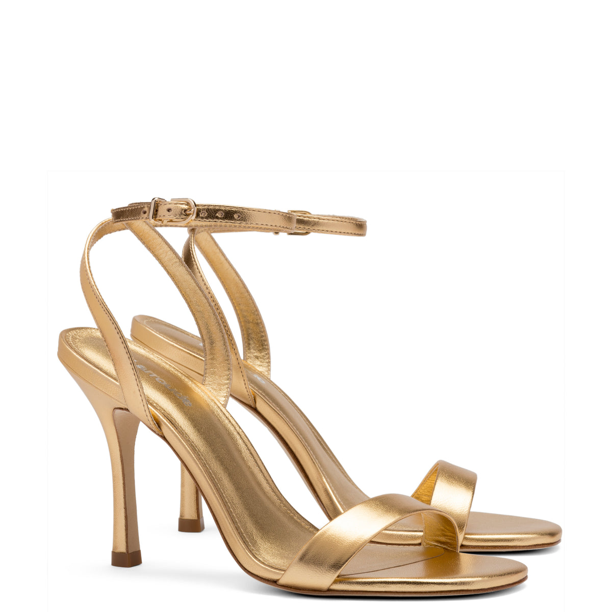 Nyx Sandal In Gold Metallic Leather