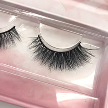Load image into Gallery viewer, Deluxe Faux Mink Eyelashes - Scarlett