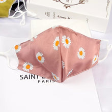 Load image into Gallery viewer, Reusable face mask - Daisy silk mask