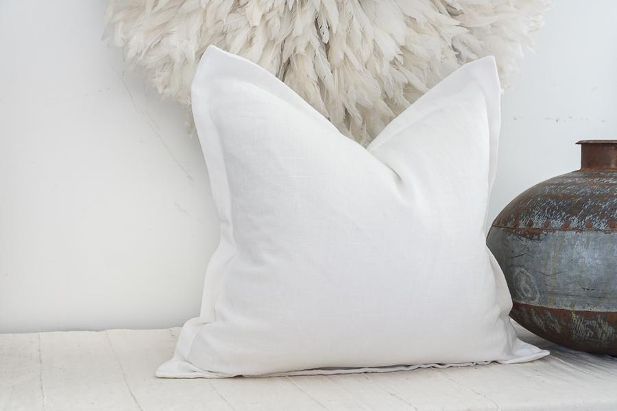 White Linen 20 X 20 Flange Pillow