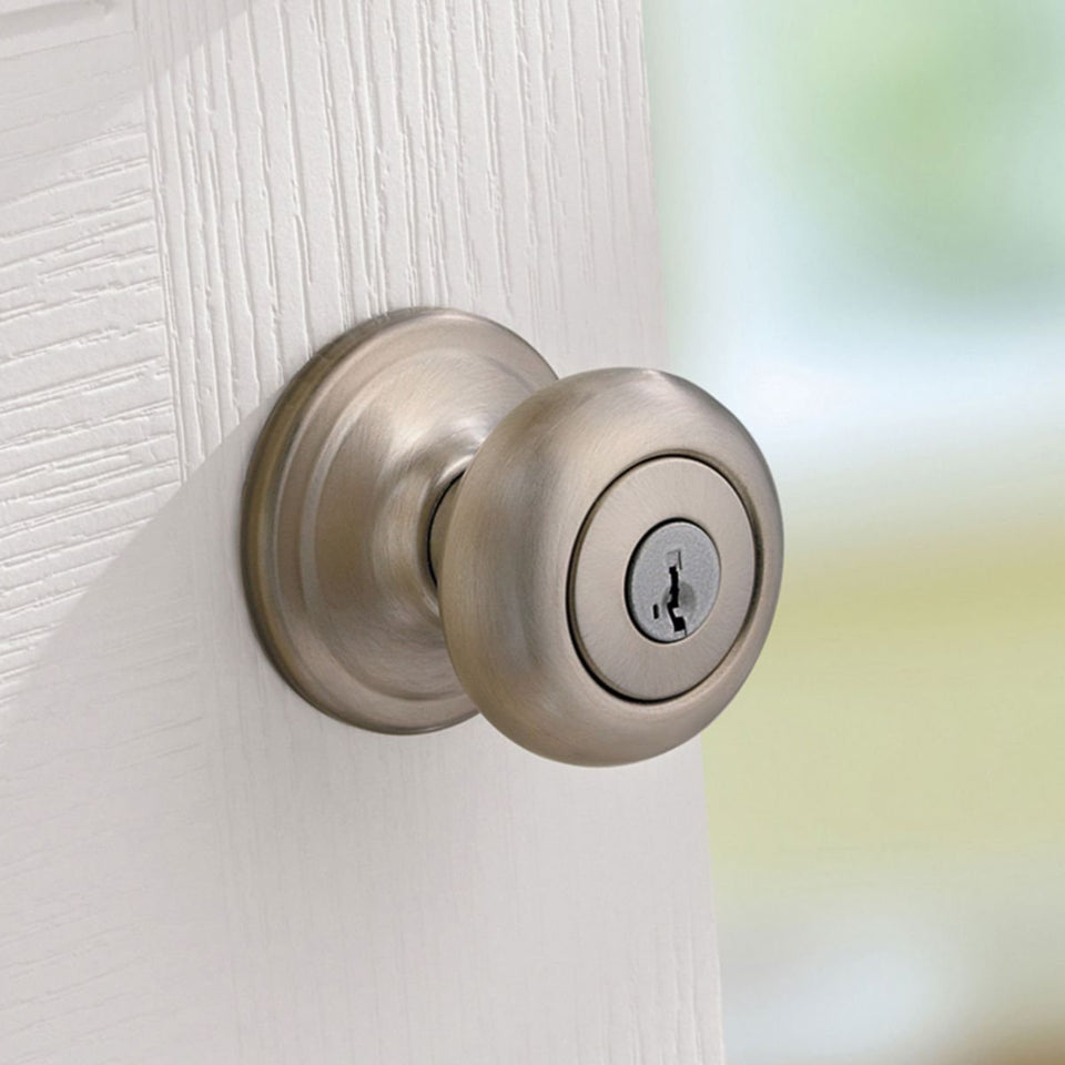 Kwikset Juno Keyed Entry Door Knob with Microban Antimicrobial Protection featuring SmartKey Security in Satin Nickel