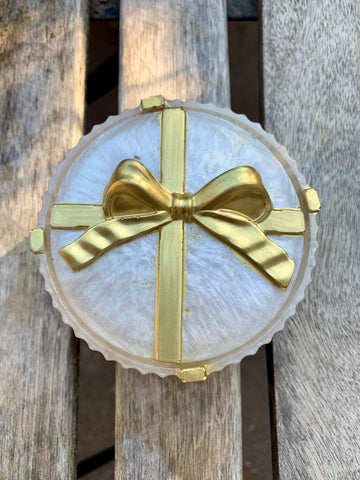 White & Gold Present Trinket Box - Pressbe Workshop