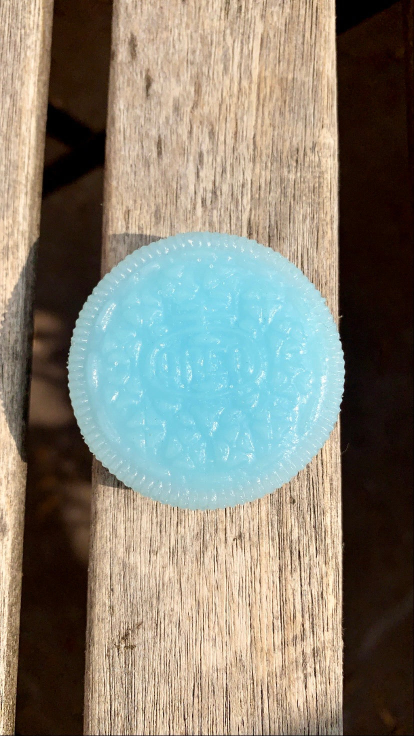 Ice Blue Oreo Pop Socket - Pressbe Workshop