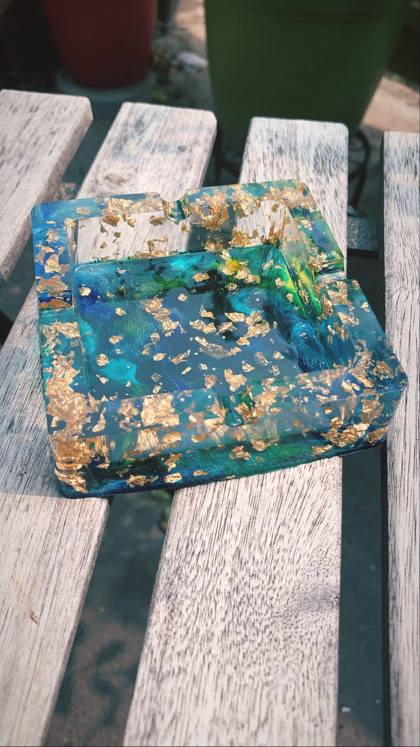 Square Ashtray (Blue, Green, Gold) - Pressbe Workshop