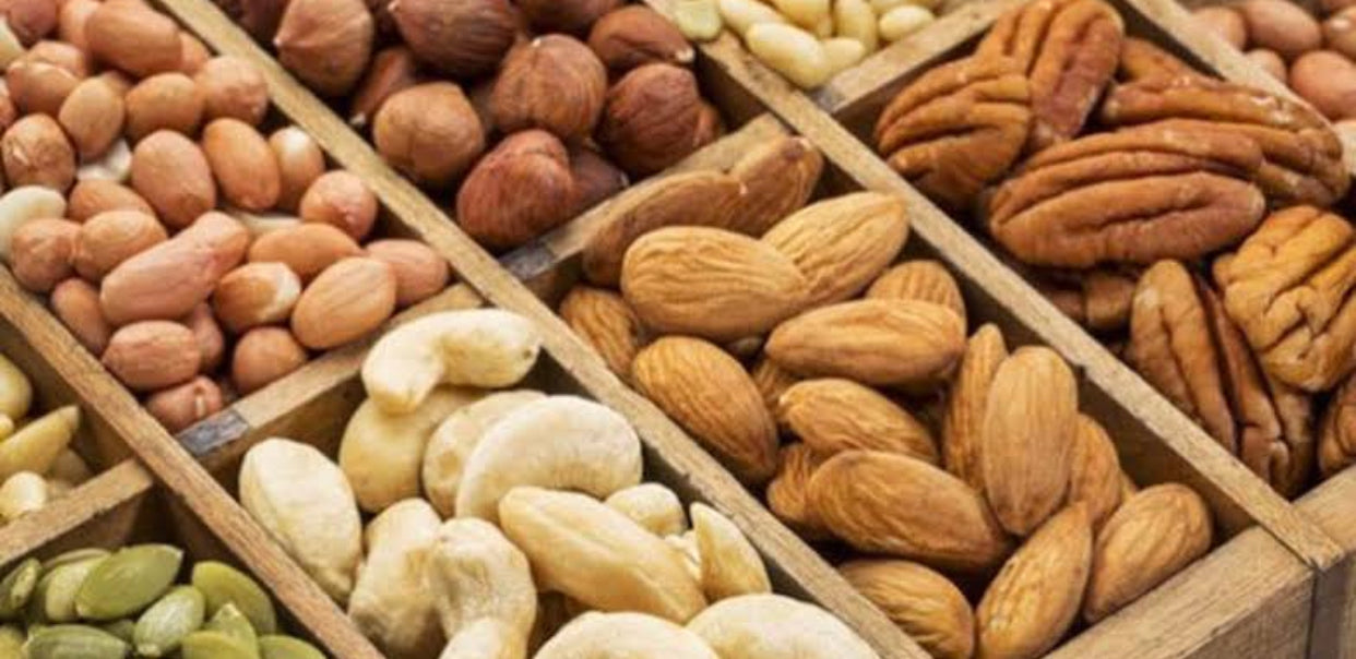 10 Reasons Why You Should Buy Nuts and Dried Fruit Online in Pakistan