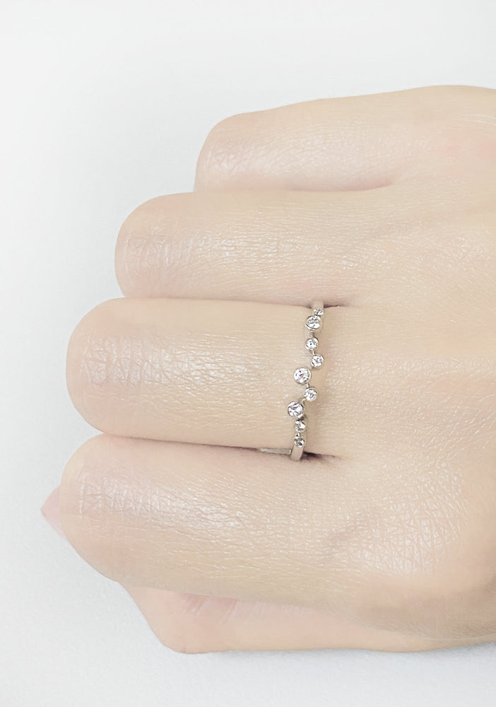 Load image into Gallery viewer, Diamonds Ring R37616
