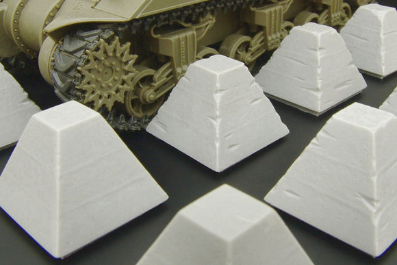 HLU35096 Hauler 1/35 Dragon's Teeth tank traps