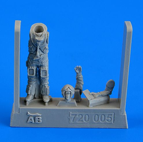 QAB720005 Aerobonus (by Aires) 1/72 British Sea Harrier Pilot, Falkland War 1982