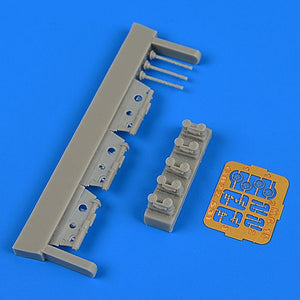 QB72531 Quickboost 1/72 Heinkel He 111P-2 gun barrels with etched gun sights etc (designed to be used with Airfix kits)