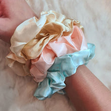 Load image into Gallery viewer, Silk Scrunchies Set
