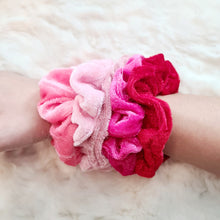 Load image into Gallery viewer, Velvet Scrunchies Set