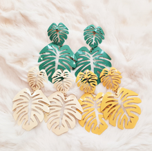 Load image into Gallery viewer, Monstera Drop Earrings