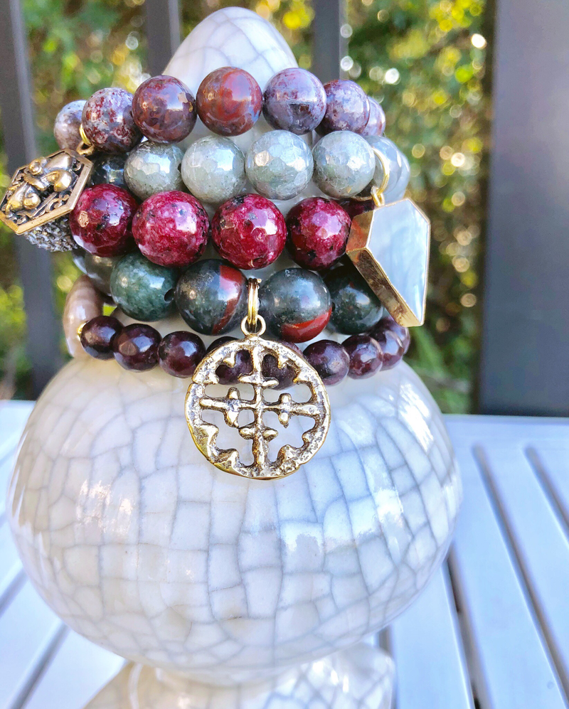 Bordeaux Wine & Pearlescent Gray Stack