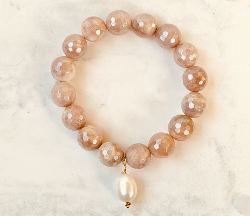 Peach Moonstone With Fresh Water Pearl Charm (gold Accents)