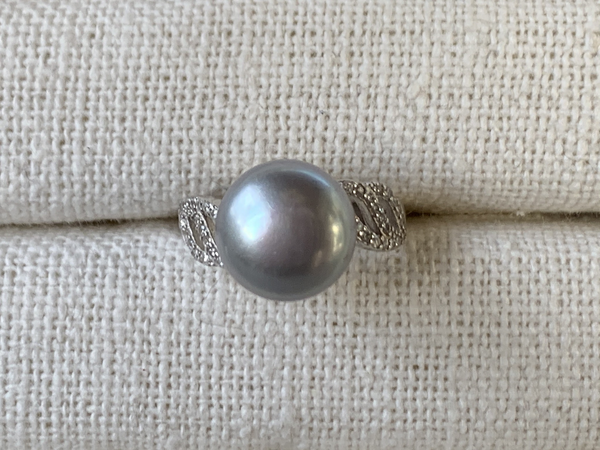 Dove Gray Pearl Ring