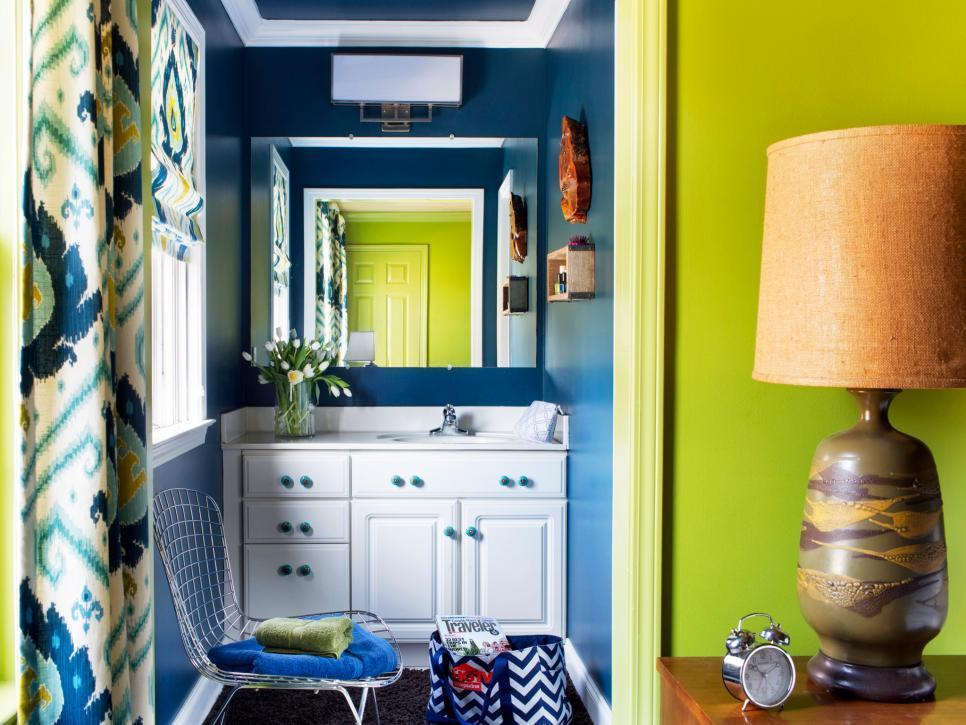 18 Tiny Bathrooms That Pack a Punch
