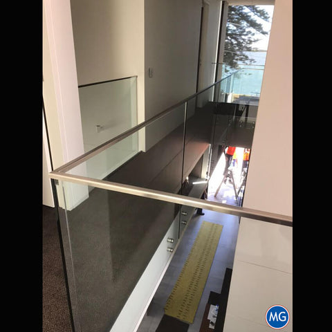 SLEEK-GLASS-BALUSTRADE-SYDNEY-MAGIC-GLASS-2