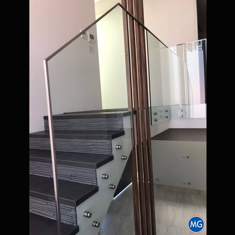 SLEEK-GLASS-BALUSTRADE-SYDNEY-MAGIC-GLASS