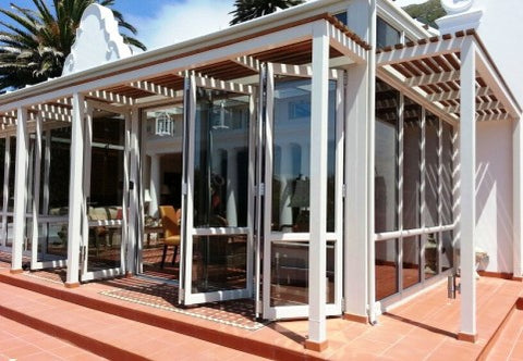 aluminium-stacking-doors