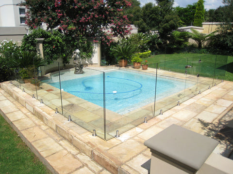 install-glass-pool-fence-01