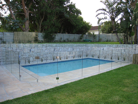 install-glass-pool-fence-02