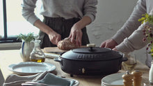 Load and play video in Gallery viewer, Oval Hotplate in Black