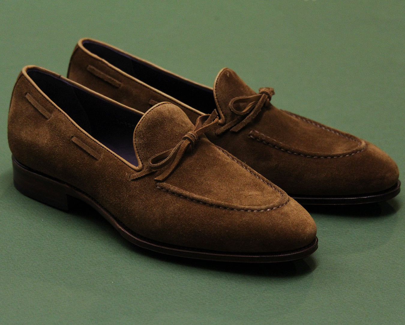 String Loafers 80228 on the Uetam Last with leather soles.