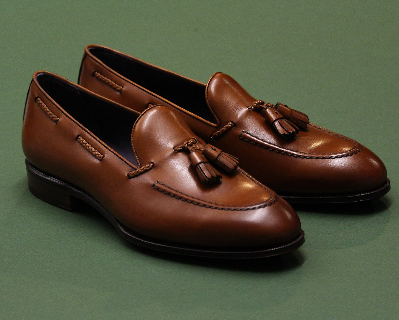 Tassel Loafers 80371 on the Uetam Last with leather soles.