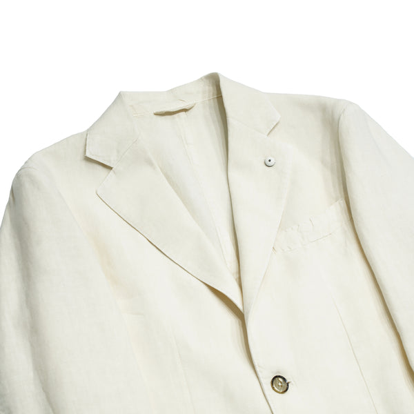 Navy L.B.M. 1911 jacket. 100% Linen, unconstructed shoulder, unlined structure. The special garment dyeing (washing) process gives this jacket a true nonchalant elegance.   White linen jacket Unlined Unconstructed shoulder 2 Buttons Side vents Notch lapel Patch pockets Composition: 100% Linen Color: Navy  Modello: 2837 Article: 05833/1 Made in Italy