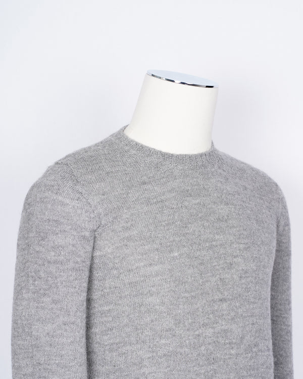 Drumohr 100% Alpaca crew neck knit  in light grey. Soft, light and warm.  100% Alpaca Art. D8U103 Col. 630 Light Grey