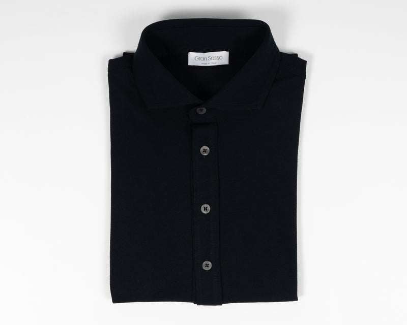 Gran Sasso long sleeved jersey shirt made of fine jersey cotton. Soft semi cutaway collar,  100% cotton. Great piece for easy going but chic summer outfits. Gran Sasso Knitted  Article: 60120  Quality: 81402   Color:  598 Dark Blue Made in Italy