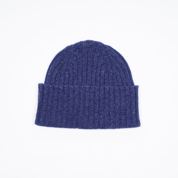 Classic woolen beanie to keep you warm in style.   100% Merino Made in Scotland One Size Drake´s Ribbed Lambswool Watch Cap / Blue