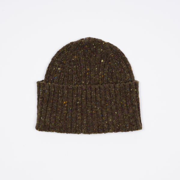 Classic woolen beanie to keep you warm in style.   100% Merino Made in Scotland One Size Drake´s Donegal Ribbed Merino Watch Cap / Olive