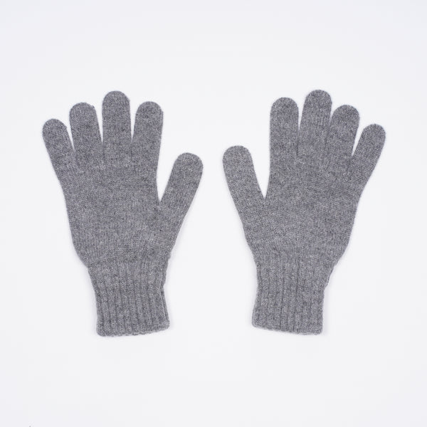 protection from the cold in the winter months.Drake´s Lambswool Knitted Gloves / Light Grey  100% Merino Made in Scotland One Size